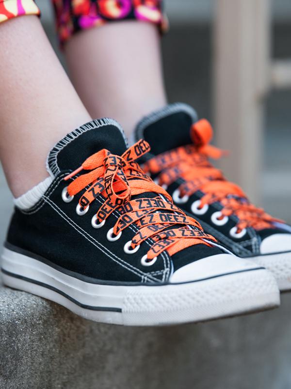 Deez-shoelaces-orange1
