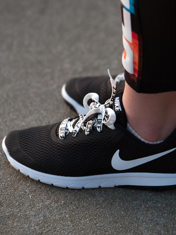 Deez-shoelaces-white